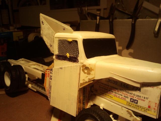 Wolf truck sur base de Diamond Reo AMT au 1/25 - Page 2 Wolf92